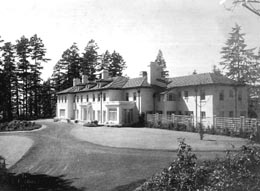 William E. Boeing home, The Highlands, Shoreline, 1914 Courtesy UW Special Collections (Image No. SEA2655)
